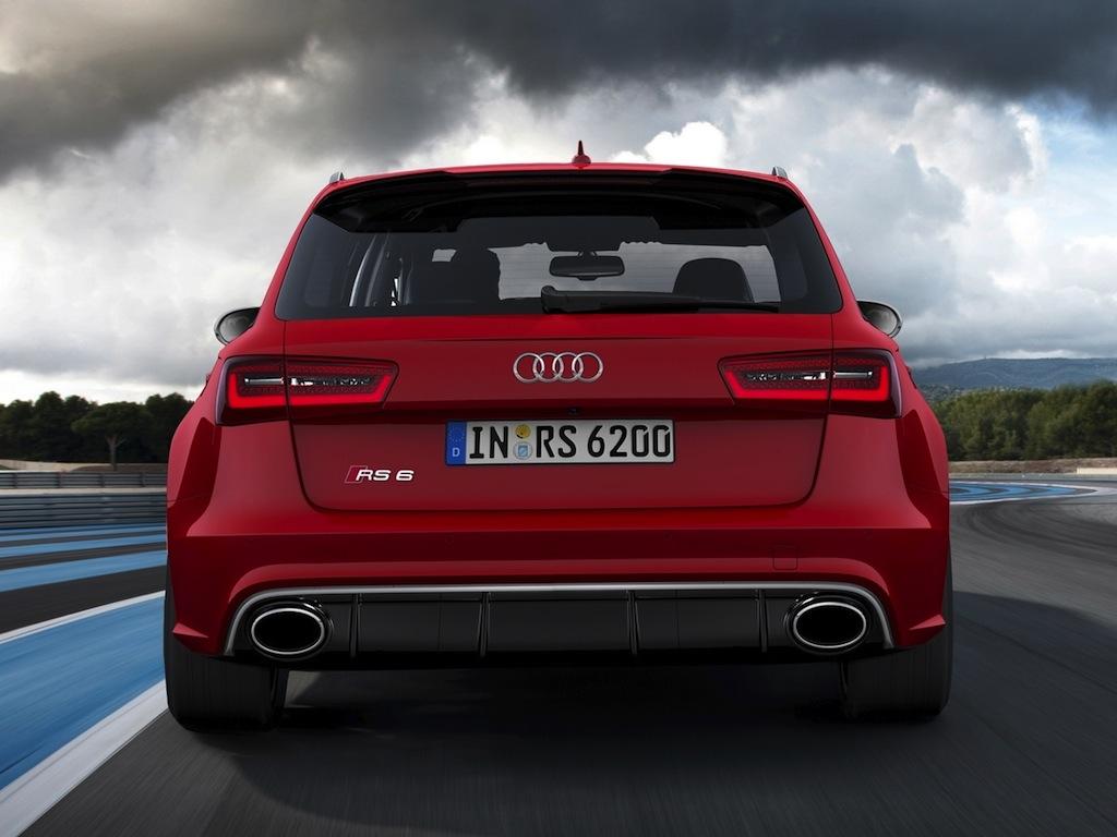 La puissante Audi RS6 dans une présentation dynamique