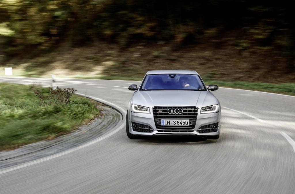 Audi S8 Plus : une vraie sportive en costard