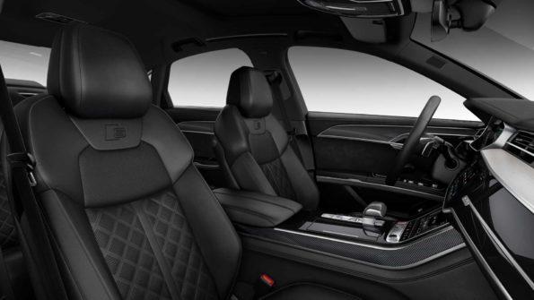 Audi S8 int