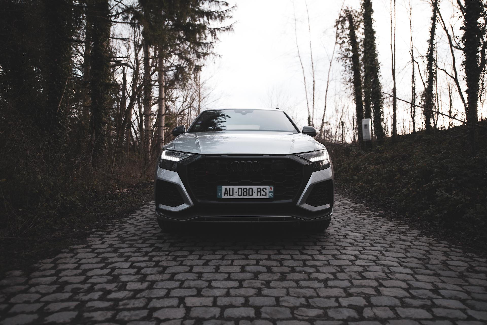Front Audi RS Q8