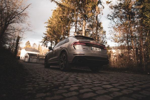 3/4 arrière Audi RS Q8