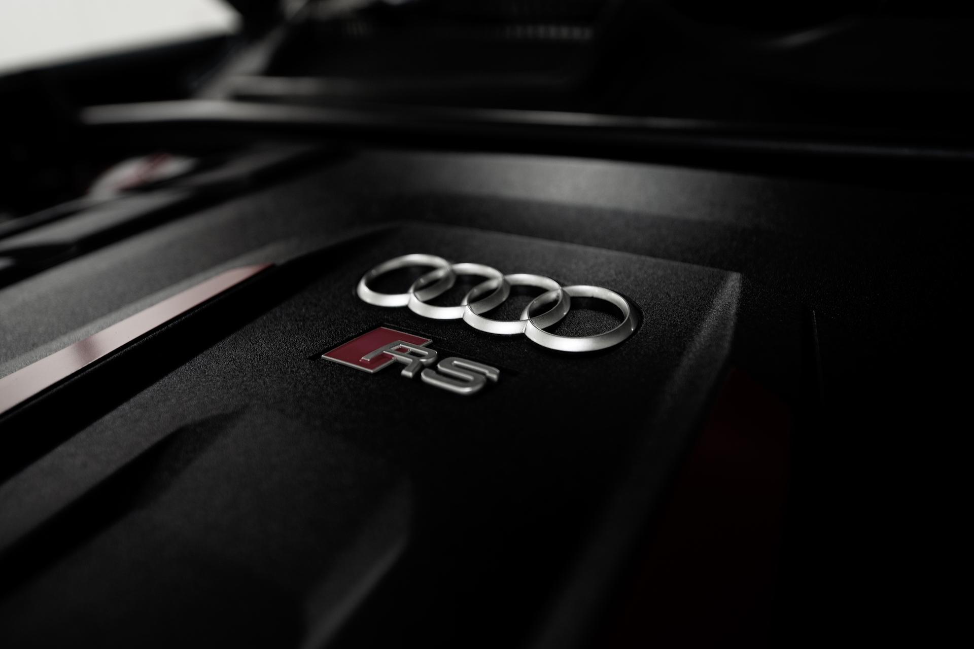 Cache moteur V8 Audi RS Q8 #3