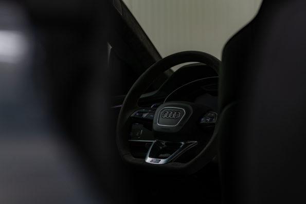 Volant ambiance sombre Audi RS Q8