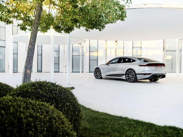 Audi A6 e-tron concept - 3/4 Arriere