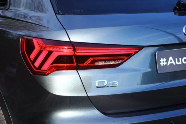 Audi Q3 45 TFSI e - Détail feu arrière