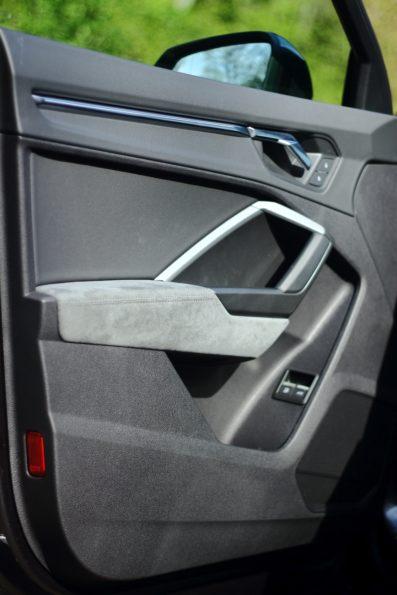Audi Q3 45 TFSI e - Détail contre porte
