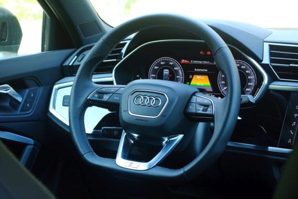 Audi Q3 45 TFSI e - Tableau de bord
