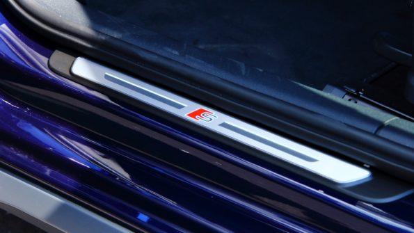 Audi A3 Sportback 40 TFSI e - Détail seuil de porte