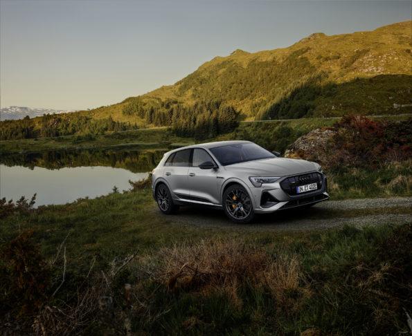 Audi e-tron S line black edition - 3/4 Avant