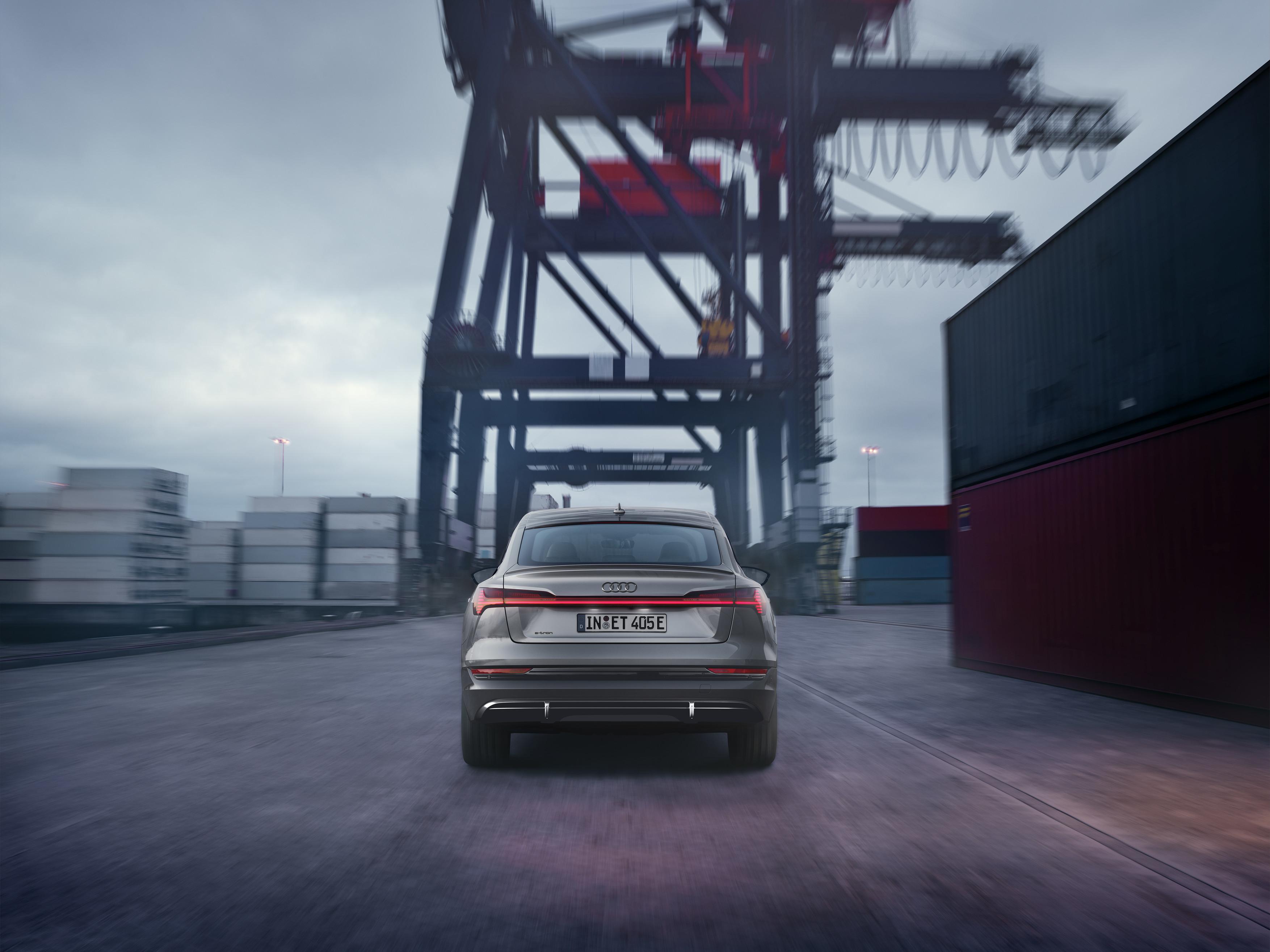 Audi e-tron Sportback S line black edition - Arrière