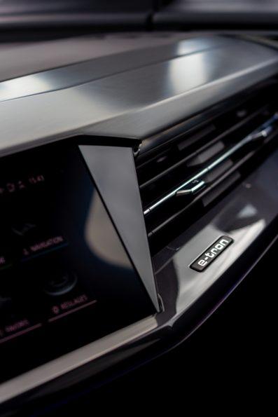 Audi Q4 50 e-tron quattro - Détail planche de bord