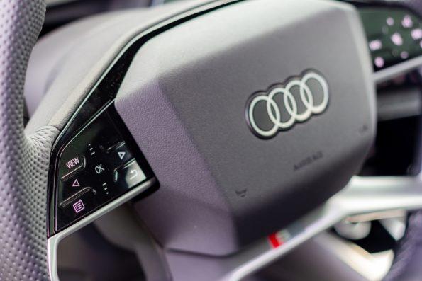 Audi Q4 50 e-tron quattro - Détail volant