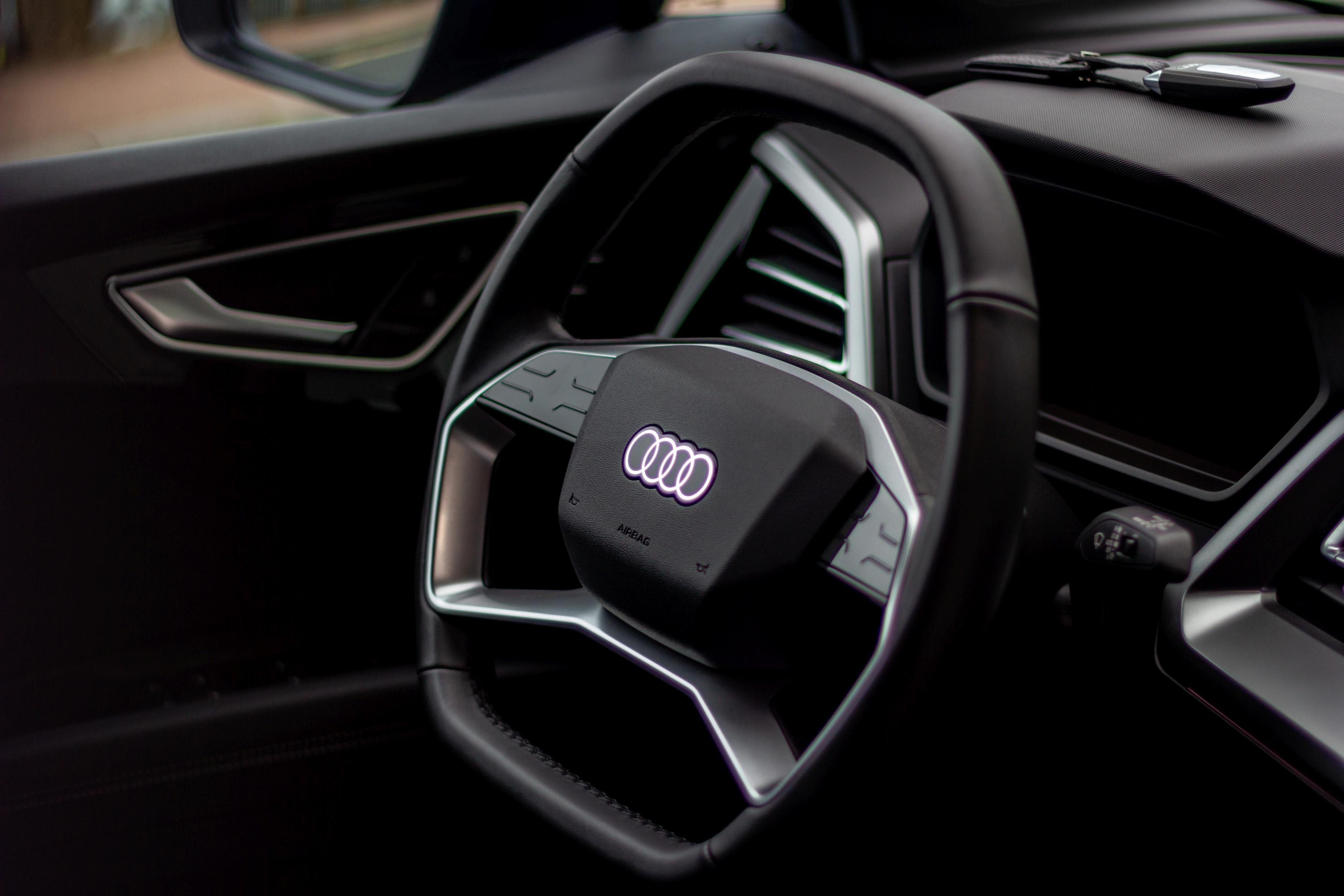 Audi Q4 e-tron - Volant à double méplat